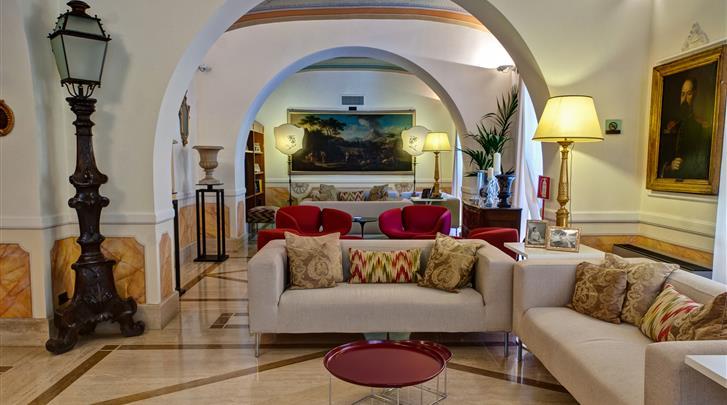 Rome, Hotel Canada, Lobby